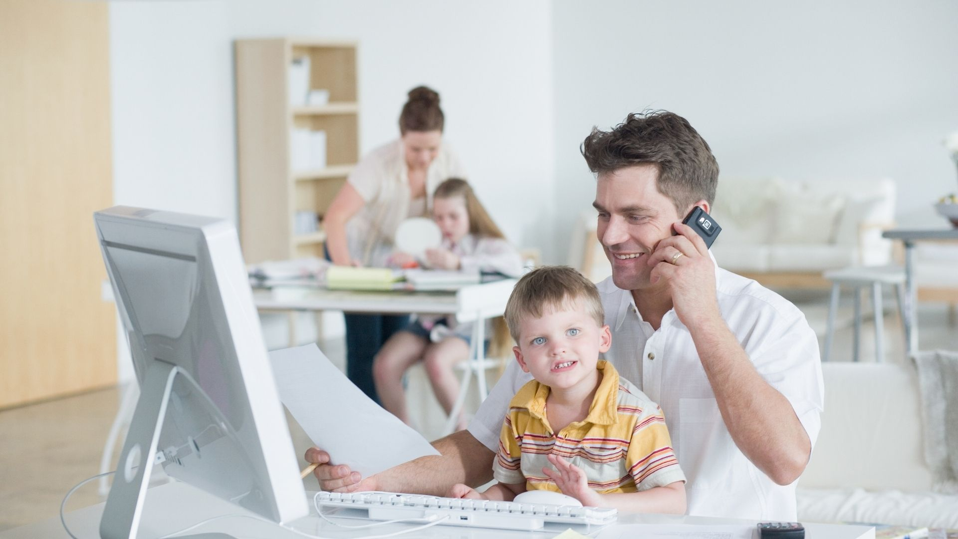 Home-Office Familie